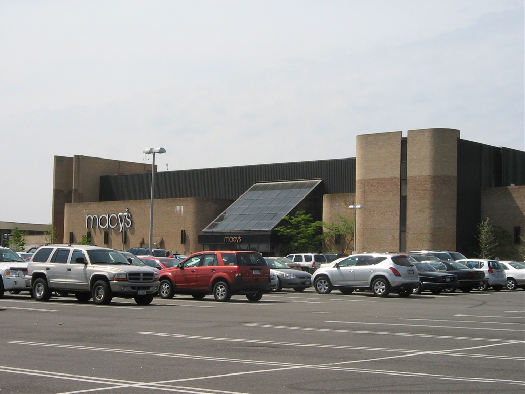 Smith Haven Mall in Lake Grove, New York
