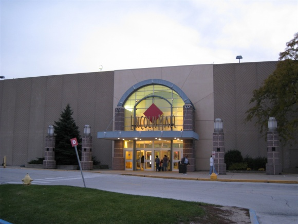 Lincoln Mall