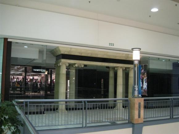 Lincoln Mall Matteson Illinois Labelscar