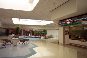 college-hills-mall-08