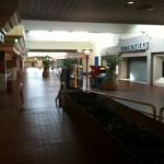 Palm-Springs-Mall-17