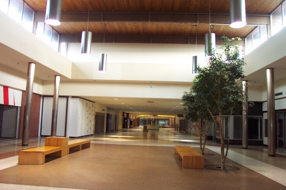 Fort Wayne Mall >> Labelscar: The Retail History BlogSouthtown Mall; Fort Wayne, Indiana - Labelscar: The Retail ...