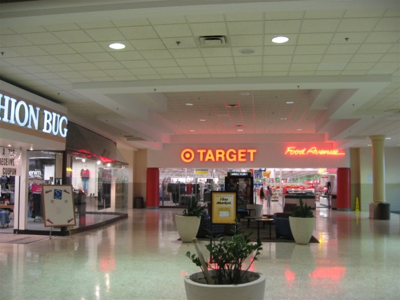 Des Moines Shopping >> Iowa Labelscar