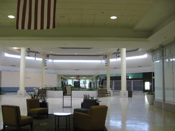 Des Moines Shopping >> Labelscar The Retail History Blogsouthridge Mall Des
