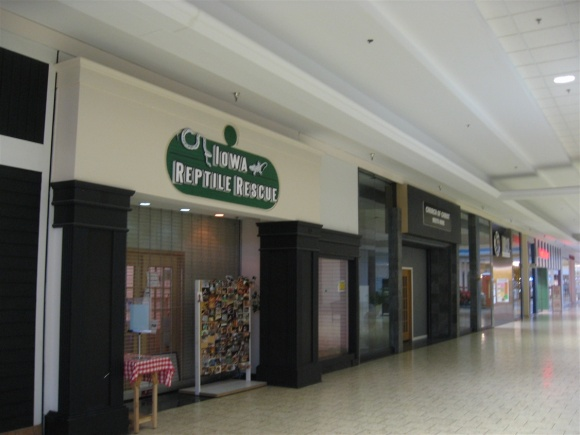 Des Moines Shopping >> Labelscar The Retail History Blogsouthridge Mall Des