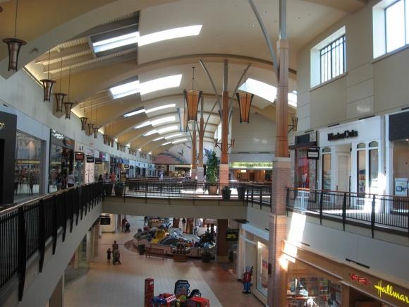 Des Moines Shopping >> Labelscar The Retail History Blogjordan Creek Town Center West Des